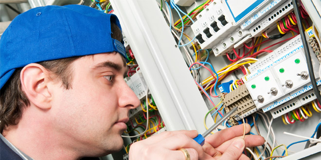 One in four hires an electrician without checking their credentials