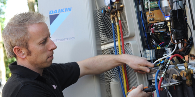 Daikin UK supports DECC's training boost for RHI