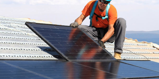 Installers should sell solar for summer
