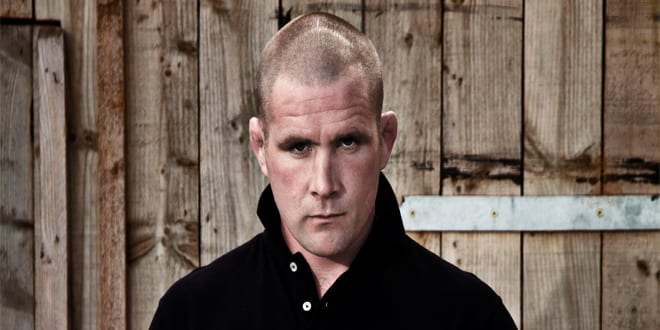 Popular - Rugby Legend Phil Vickery fronts new drinking water campaign