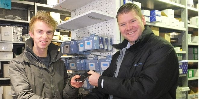 Popular - Installer wins i-Phone6+ in Horstmann competition