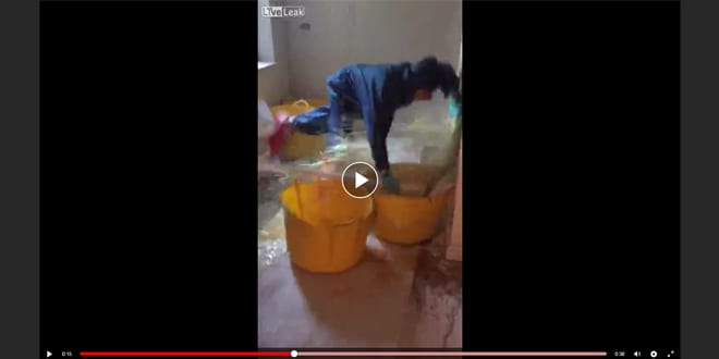 Popular - Watch: Plumber gets covered in sewerage