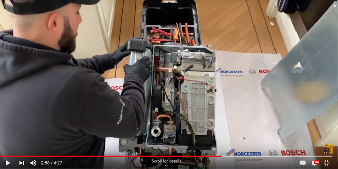 Wayne Bettess unboxes the Worcester Bosch 8000 Style Boiler