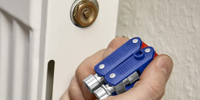 Popular - KNIPEX launches new Control Cabinet Key 'Double Joint'