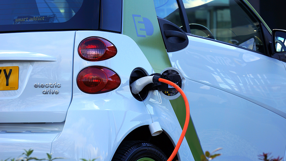 Popular - Government launches app to encourage switch to EVs